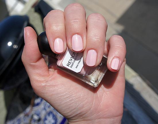 Revlon-Parfumerie-Pink-Pineapple.jpg
