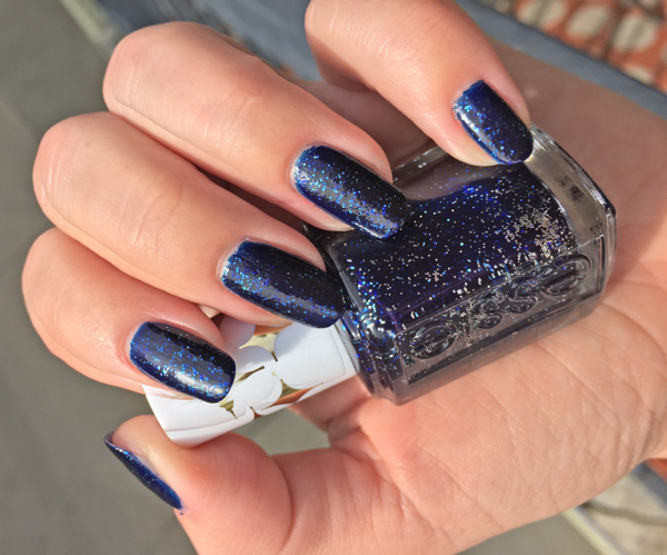 лак-essie-starry-starry-night.jpg